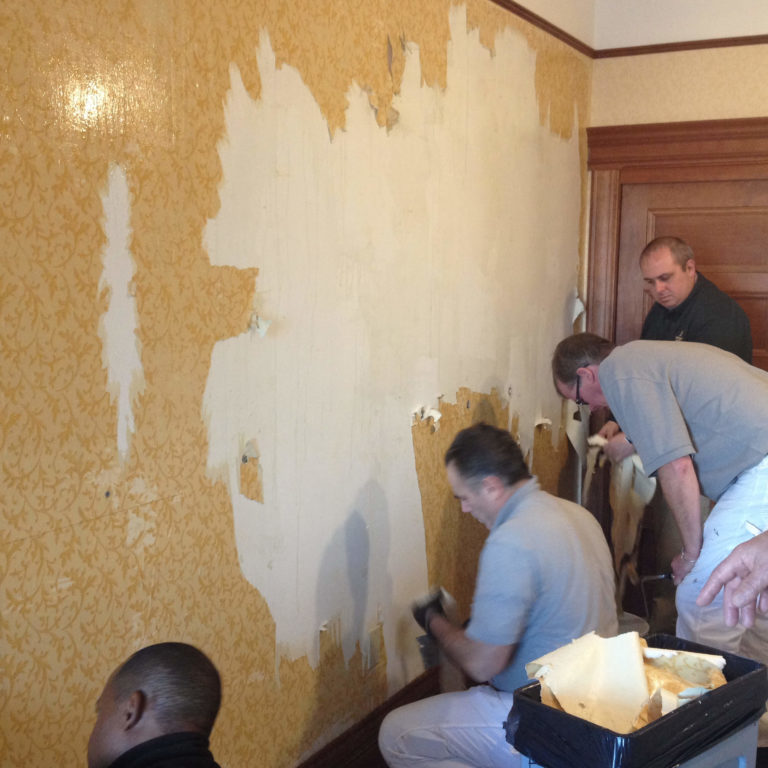 Removing wallcovering efficiently